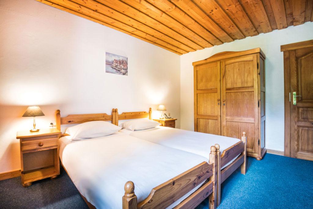 bedroom of Twin Room Classic